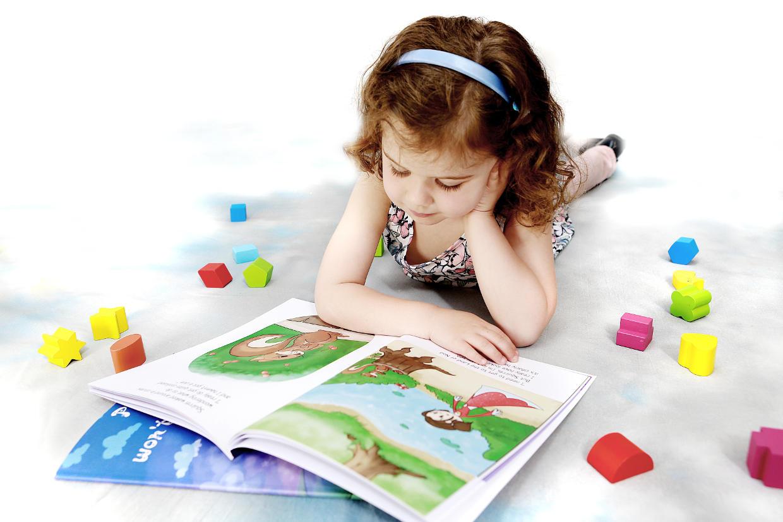 Childrens Book Display Uk The Very Hungry Caterpillar